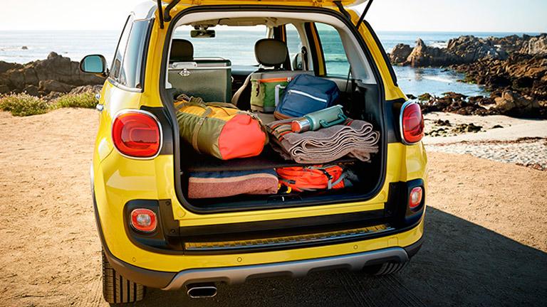 2014 Fiat 500L trunk