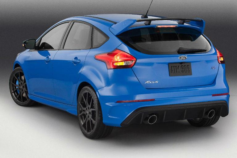 Focus Rs Vs Sti >> Ford Focus RS vs Subaru WRX STI