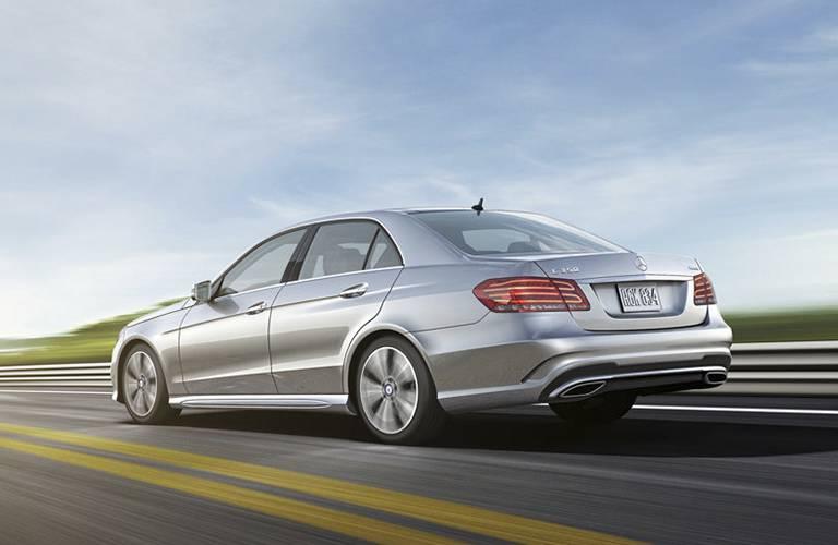 2016 mercedes benz e class vs lexus es 350 for Mercedes benz finance address