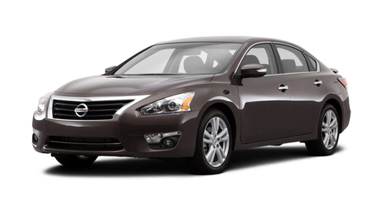 Front and side view of 2014 Nissan Altima