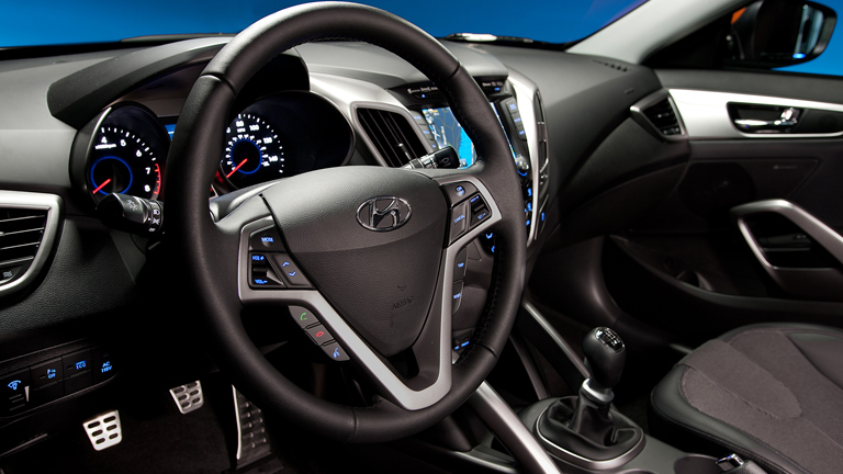 2015 hyundai accent vs 2015 hyundai veloster. Black Bedroom Furniture Sets. Home Design Ideas