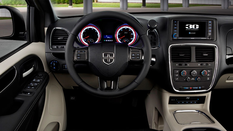interior technology and dash of the 2015 dodge gran caravan