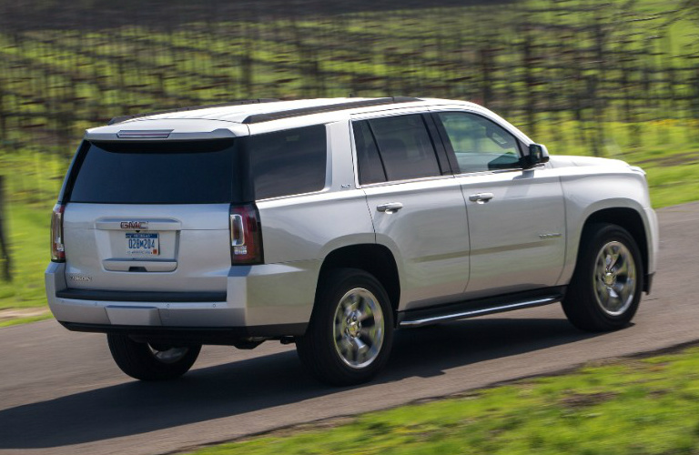 2015 gmc yukon vs toyota sequoia autos post. Black Bedroom Furniture Sets. Home Design Ideas