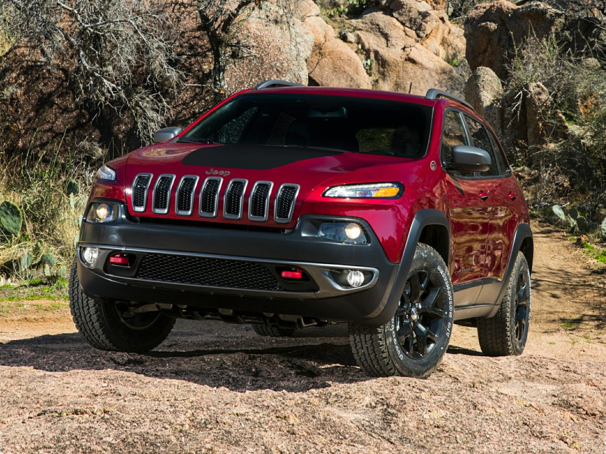 9 reasons to love the 2015 jeep cherokee trailhawk. Black Bedroom Furniture Sets. Home Design Ideas