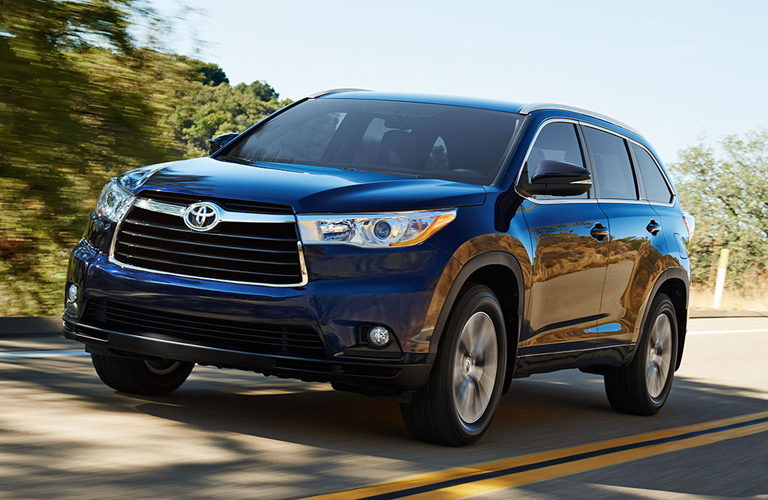 2015 honda pilot vs 2015 toyota highlander for Honda crv vs toyota highlander