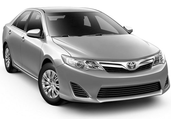 2012 toyota camry hybrid le yahoo autos rachael edwards. Black Bedroom Furniture Sets. Home Design Ideas