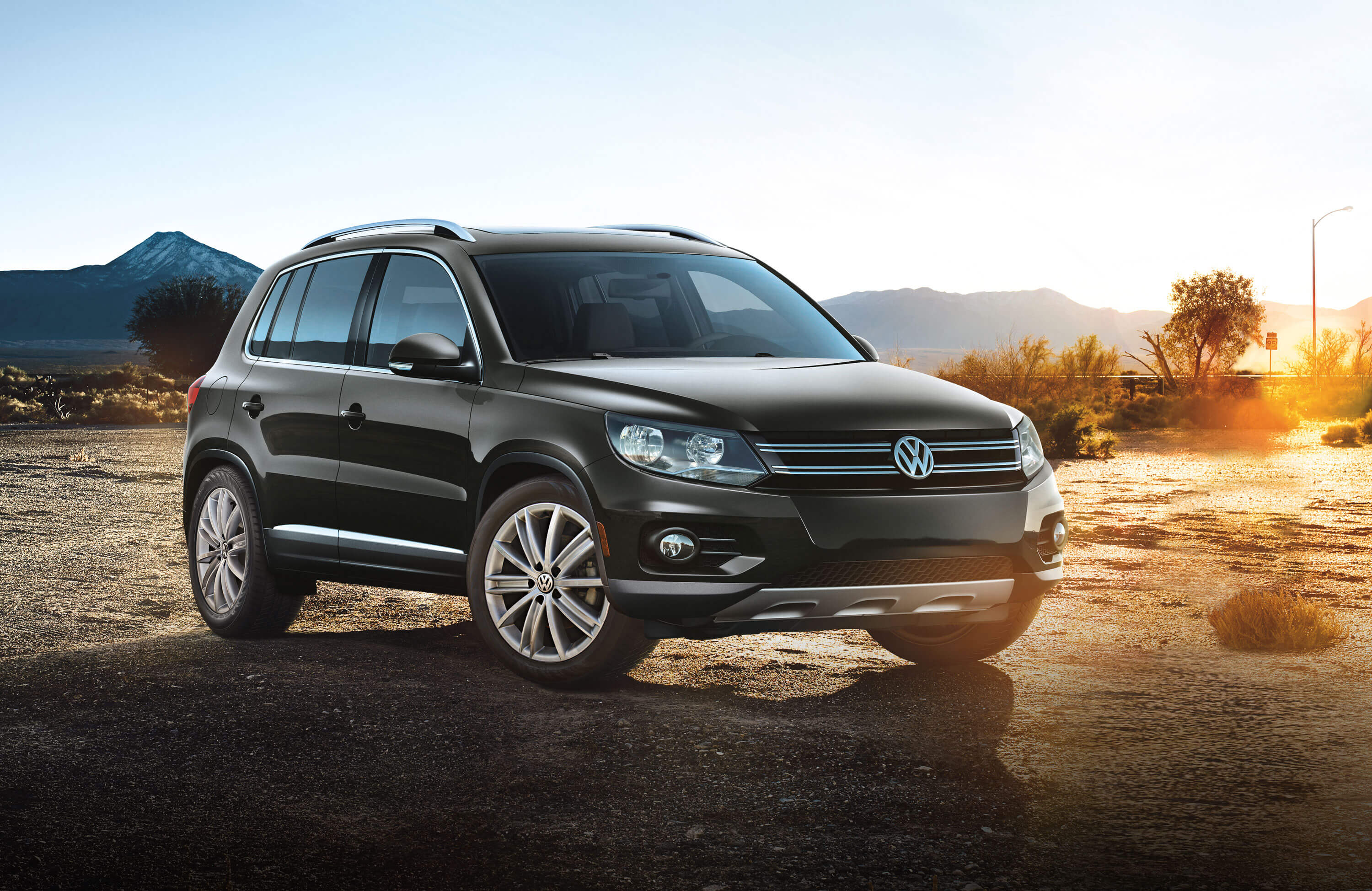 2015 volkswagen tiguan safety features norm reeves volkswagen irvine. Black Bedroom Furniture Sets. Home Design Ideas