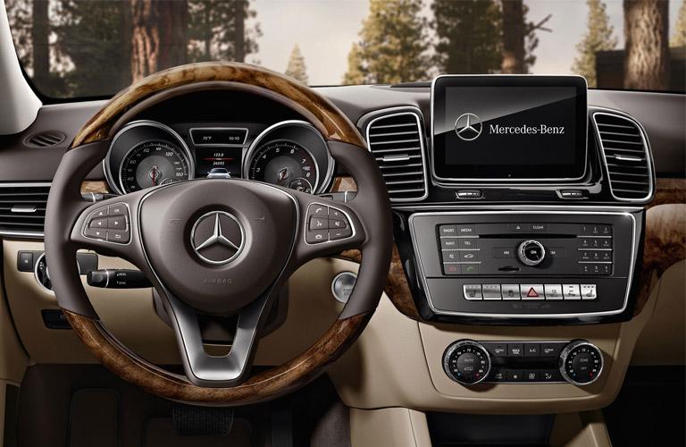 Mercedes benz dealer in doylestown pa keenan motors for Mercedes benz us open