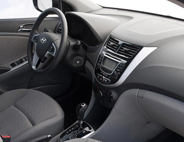2013 Hyundai Accent interior